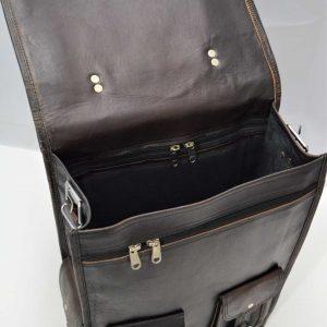 zamykany czarny plecak skórzany