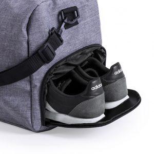szara torba na siłownię z kieszenią na buty
